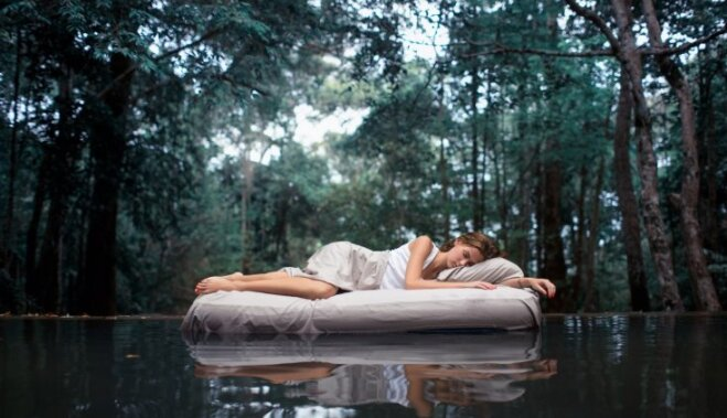 Правила, которые помогут проснуться без боли в спине и шее