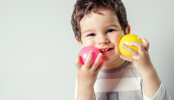 Kā bērnam iemācīt atšķirt krāsas