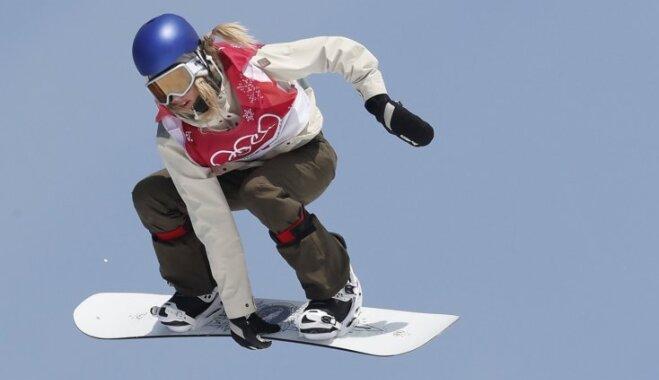 Austriete Gassere kļūst par vēsturisko pirmo olimpisko čempioni snovborda 'big air' disciplīnā