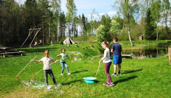 Pokaiņu mežā ar dažādām aktivitātēm aicina svinēt Starptautisko ģimenes dienu