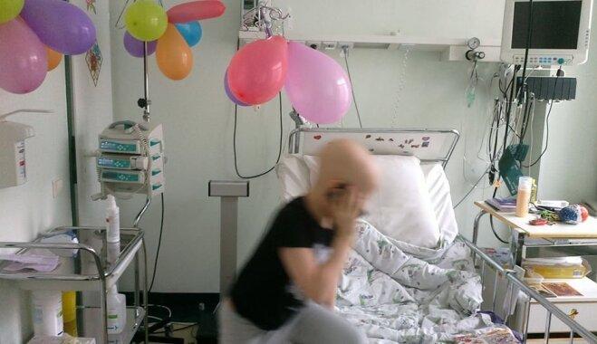Palikt bez matiem nav trakākais: mammas stāsts par dēla cīņu ar vēzi