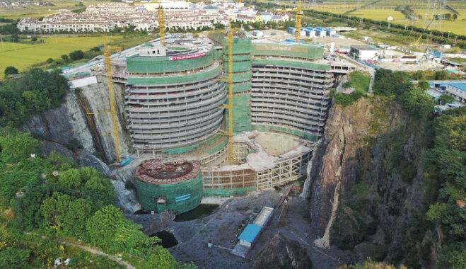 ВИДЕО. В Китае строят роскошный отель в заброшенной шахте