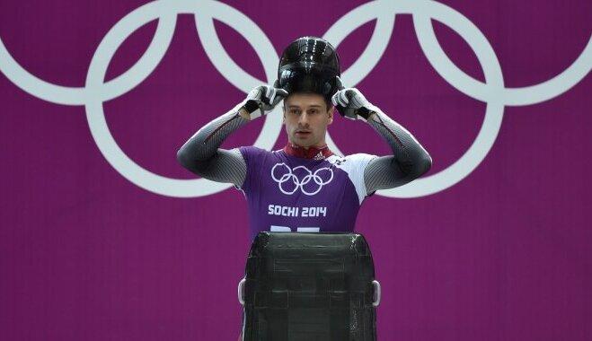 Skeletona līderi olimpiskās sacensības nolēmuši uzsākt viens aiz otra