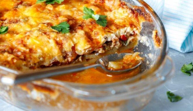 Maltās gaļas, kartupeļu un tomātu sacepums