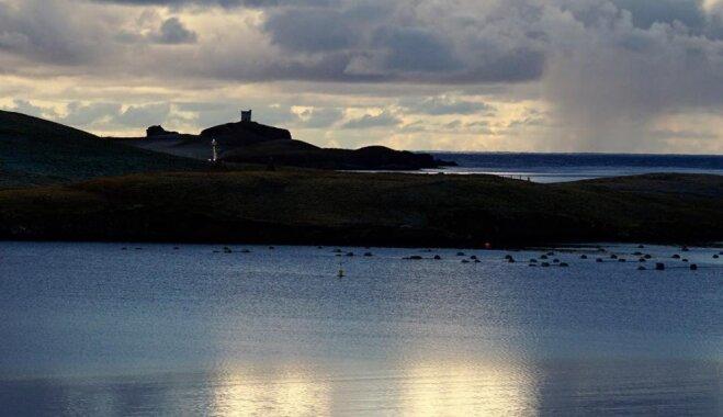 В Шотландии выставлен на продажу остров с фермой и озером за половину стоимости лондонской квартиры