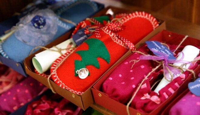 Foto: Ziemassvētku dāvanas skolēnu mācību uzņēmumu gadatirgū