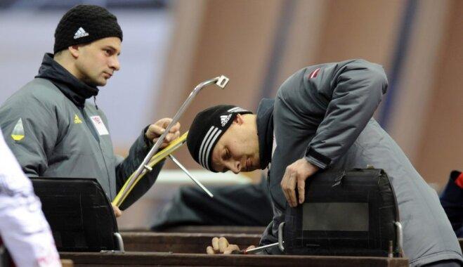 Brāļi Dukuri dažādās domās par aizvadītajiem olimpiskajiem skeletona braucieniem