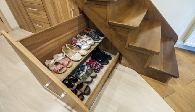 Septiņas idejas, kā gudri izmantot tukšo telpu zem kāpnēm