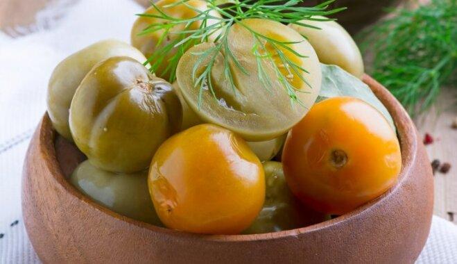 Veseli zaļie tomāti