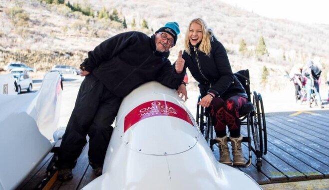 Nepadoties dzīves grūtībām un neizniekot laiku: dzīve ratiņkrēslā 'nesalauž' Anniju Krūmiņu