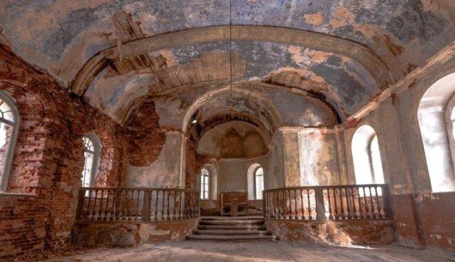 ФОТО: Призрачная Латвия — заброшенная православная Галгауская церковь и старинное кладбище