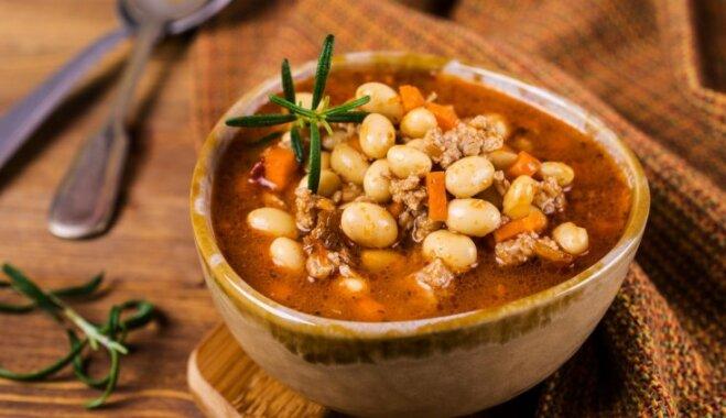 Ātrā maltās gaļas–pupiņu zupa