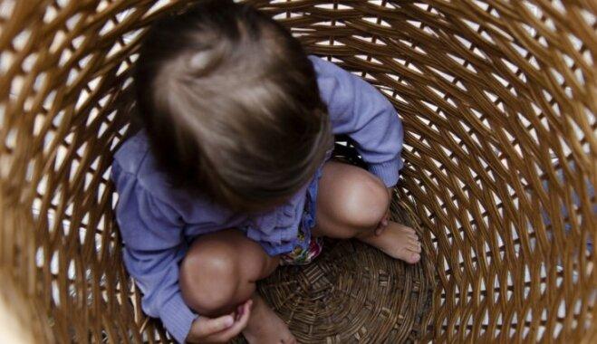 Pārbaudes bērnu namos: bez reakcijas uz seksualizētu uzvedību, kabatas naudas ieturēšana un citi pārkāpumi