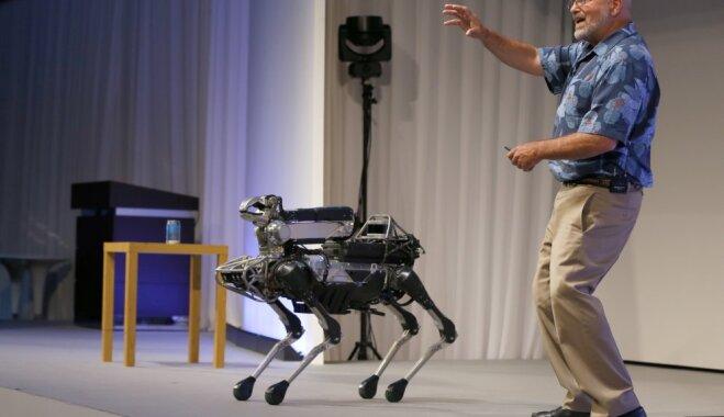 Boston Dymamics выпустит на рынок четырехногого робота SpotMini