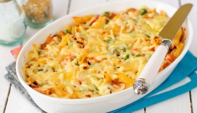 Макаронная запеканка с овощами и сыром