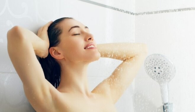 Когда лучше принимать душ: утром или вечером? Мнение специалистов.