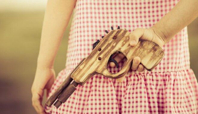 Vai bērniem nepieciešamas rotaļlietas – ieroči: ekspertu viedoklis