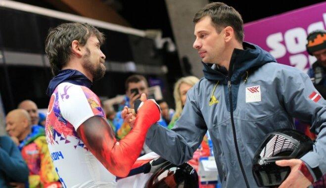 Tretjakovam atņem Soču spēļu zeltu; Dukurs kļūst par olimpisko čempionu