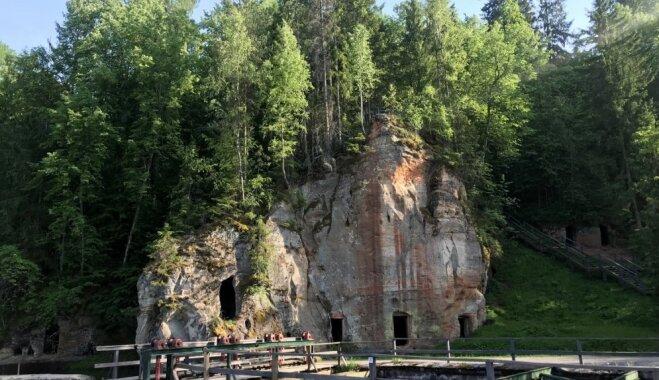 ФОТО. Мимо скал, пещер и мостиков: прогулочная тропа в самом сердце Лигатне