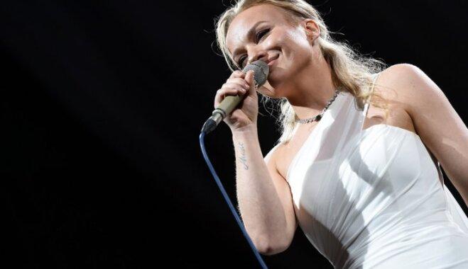 'Ar prātu apzināties, ka manī ir cilvēks, nespēju': dziedātāja Dināra Rudāne sarunā par grūtniecību