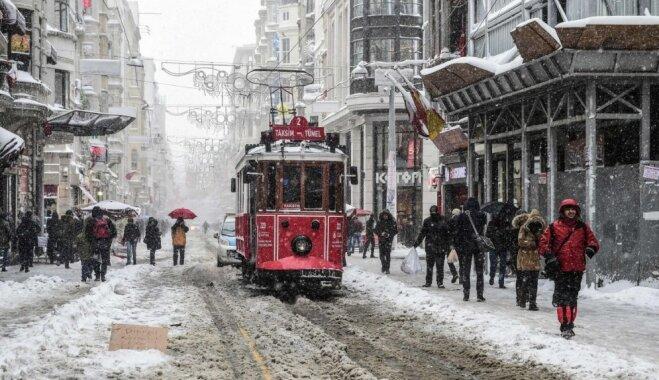 Зимние каникулы: 9 бюджетных направлений на любой вкус