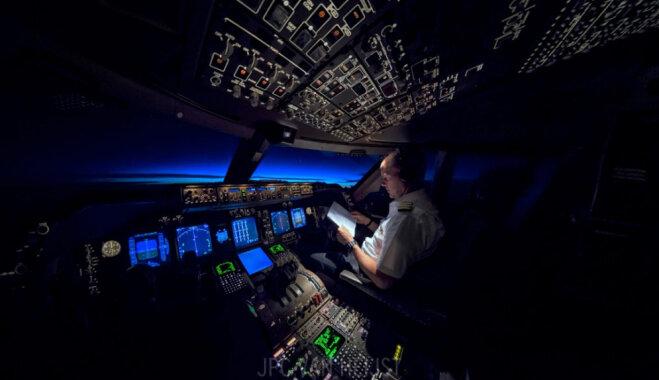 Рассветы, бури и северные сияния: голландский пилот показывает, как это – работать на высоте 11 км