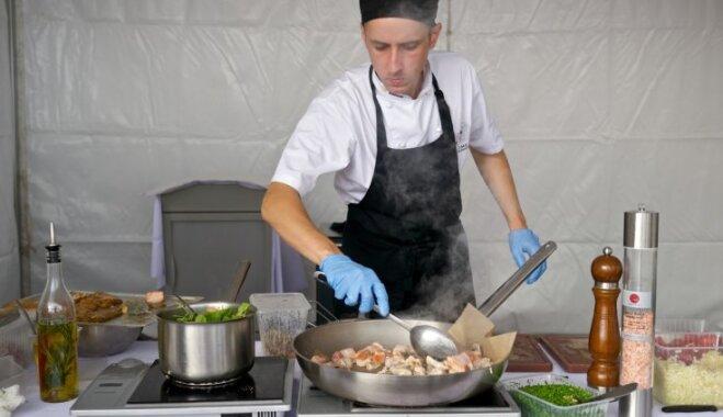 Foto: Šefpavāru sarūpētie gardumi 'Rīgas svētku restorānā'