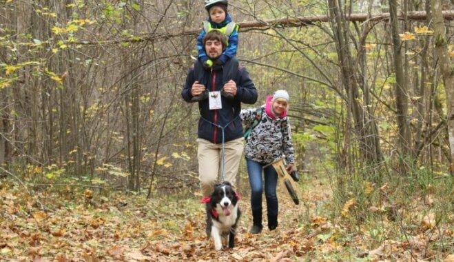 Aktīvākos suņus un saimniekus aicina piedalīties orientēšanās sacensībās 'Robins mežā'