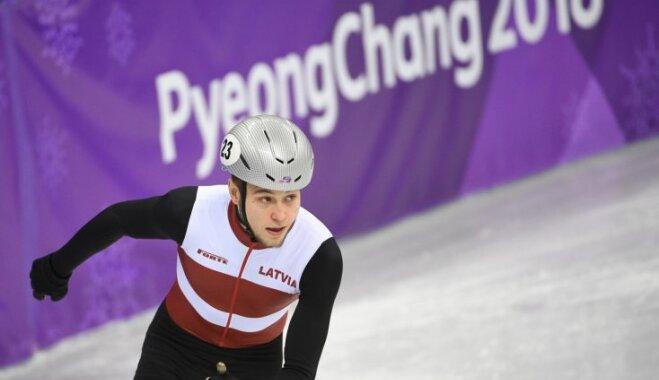 Кореянки выиграли эстфету в шорт-треке, Звейниекс вышел в четвертьфинал с рекордом Латвии