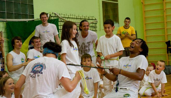 Пятилетний учитель капоэйры. Чему учит малышей искусство бразильской борьбы?