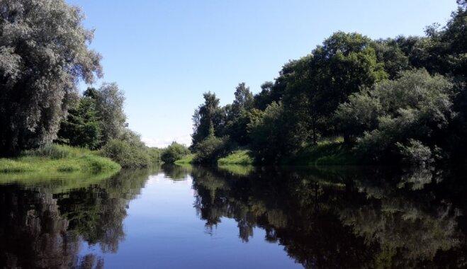 Laivu brauciens pilsētnieku gaumē: Aiviekste vasarā