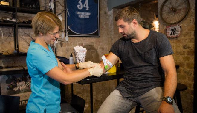 Latvijā dramatiski pieaug HIV un AIDS izplatība. Ko saka speciālisti