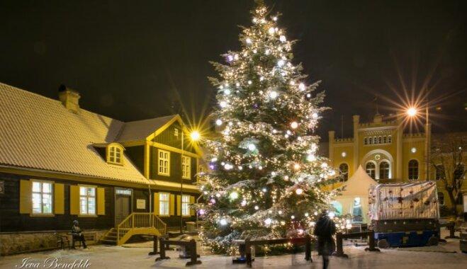 Ziemassvētku pasākumu ceļvedis: svētku tirdziņi, tikšanās ar Ziemassvētku vecīti un koncerti Kuldīgas pusē