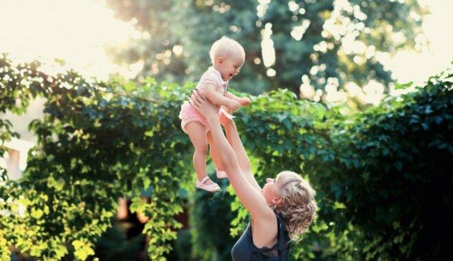 Iemesli, kāpēc neatlikt mātes lomu uz vēlāku laiku