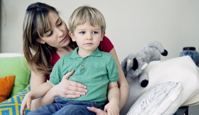 Kā mājas apstākļos palīdzēt bērnam caurejas un vemšanas gadījumā