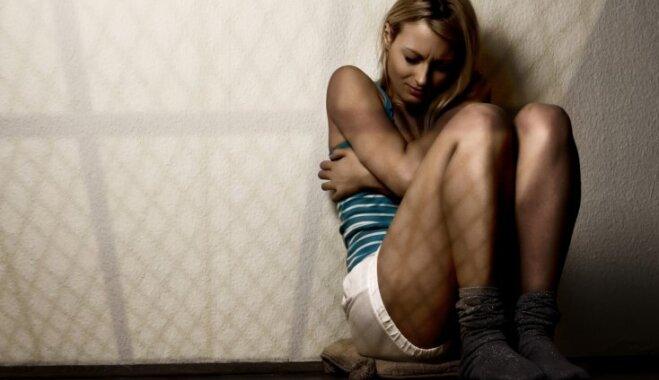 Pienākums būt sievietei. Psiholoģe skaidro dzimuma lomu ietekmi uz cilvēka labsajūtu