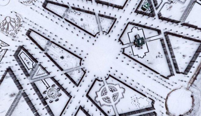 """ФОТО. """"Другой"""" Рундале - зимний парк с высоты птичьего полета"""
