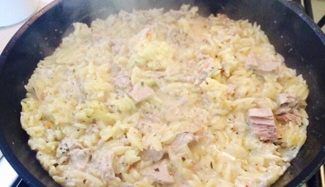 Foto recepte: pannā gatavota krēmīga pasta ar tunci