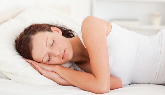 Bezalkoholisks dzēriens, kas palīdzēs labāk gulēt