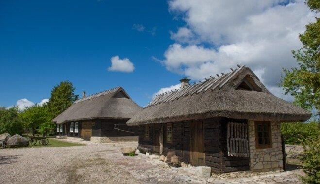 Foto: Apburoša koka lauku māja Igaunijā, kas ieguvusi otro elpu