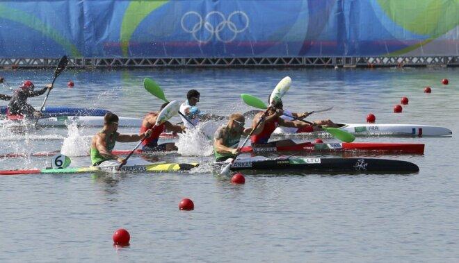 Lietuvieši izcīna olimpiskās bronzas medaļas smaiļošanas sprintā