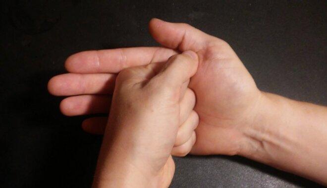 Viss tavās rokās! Septiņas mudras jaunai un skaistai dzīvei