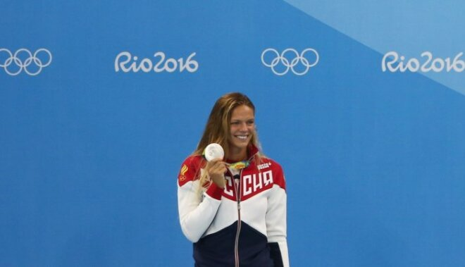 Skandalozā krievu peldētāja Jefimova pārdod par Rio sasniegumiem uzdāvināto mašīnu