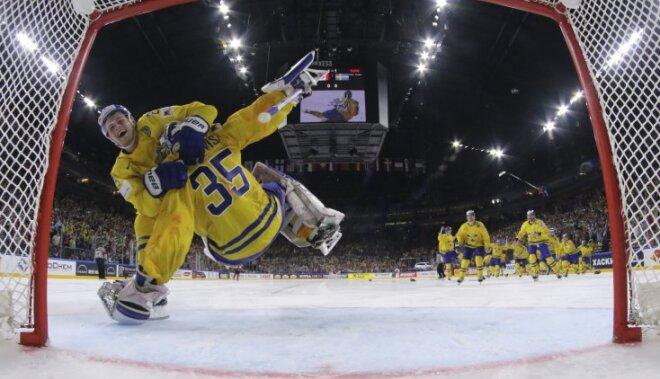William Nylander and Henrik Lundqvist Sweden celebrate the victory