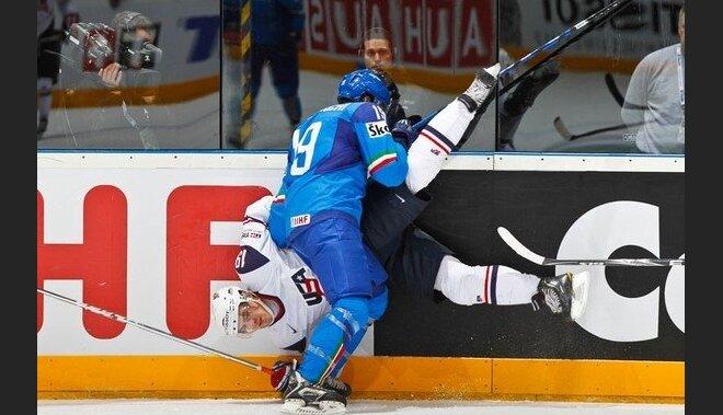 Itālija trešajā pārbaudes spēlē ar Kazahstānu piedzīvo zaudējumu