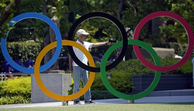 Japāna vakcinēs 18 000 olimpisko spēļu darbinieku un brīvprātīgo