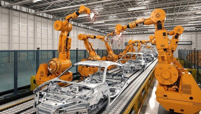Vienīgās meitenes kursā: Topošās robotikas speciālistes gandarītas par studiju virziena izvēli