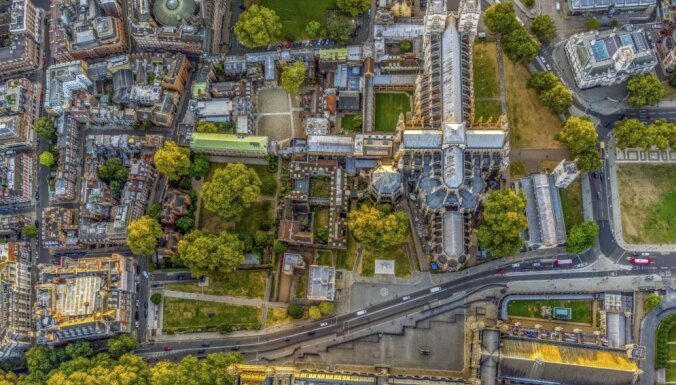 Foto: Londonas neparastā simetrija – skati no putna lidojuma