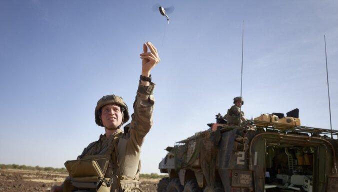 Francija jūnijā uz Lietuvu nosūtīs 300 karavīrus