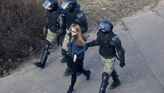 Baltkrievijā pārmeklē lielākā neatkarīgā medija 'Tut' birojus